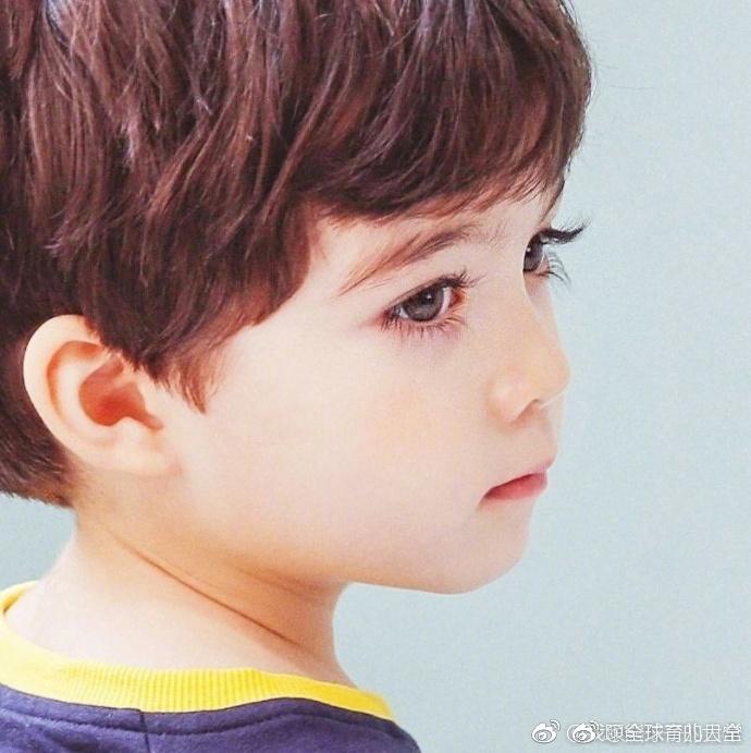 来自韩国的4岁混血宝宝cooper,这颜值直接赢到了终点线啊图片