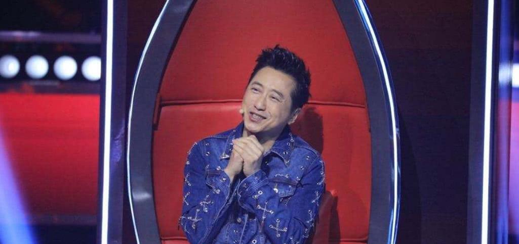 《中国好声音》中的陈彼得什么来头?为何四位导师对他这么尊敬?