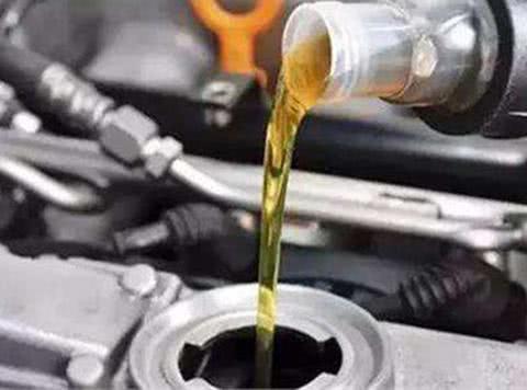 家用车用<em>矿物油</em>还是全合成<em>油</em>?哪个更省钱!
