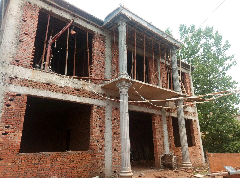 别墅建好了这方别墅搭配外墙贴砖?柱子维赛迪图片