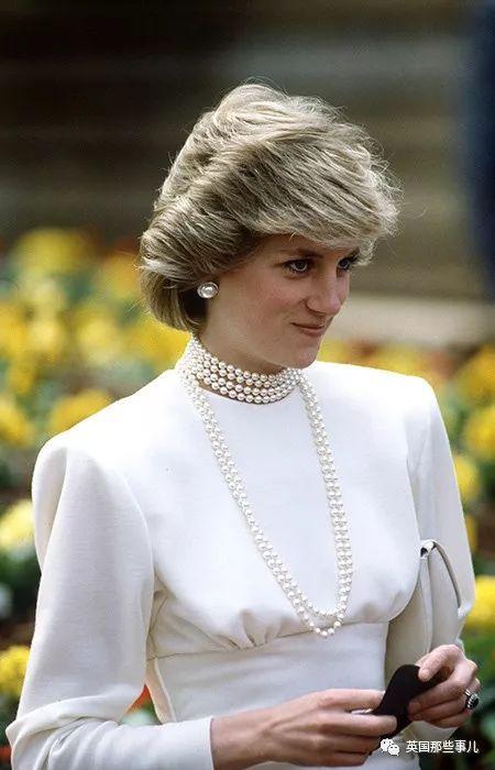 戴安娜的那些天价珠宝,后来都留给了谁?现在两个王妃都在戴!