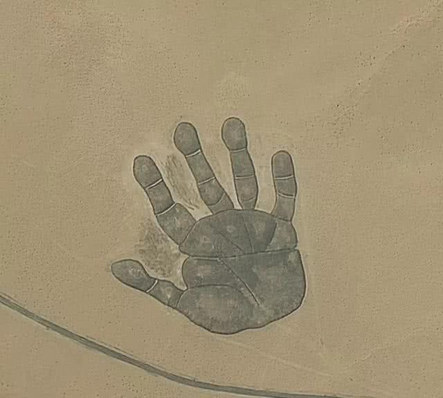 把内蒙古地图放大,竟发现一个手掌印,到底是怎么回事?