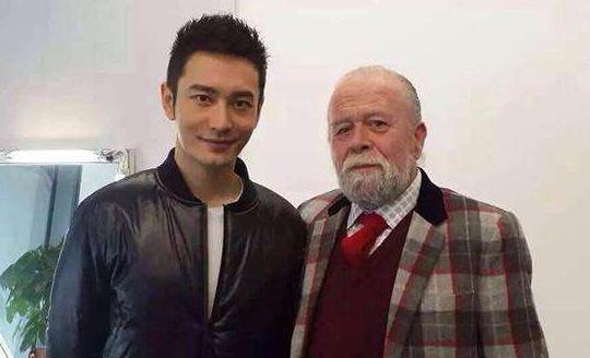 长着一张洋人脸, 演了几十年外国人, 其实他是地地道道中国人!