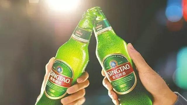 青岛啤酒在国内可谓家喻户晓,作为国内啤酒业里的龙头老大之一,青岛