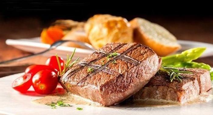 西餐厅上主菜前为什么会提供面包?西餐中的面