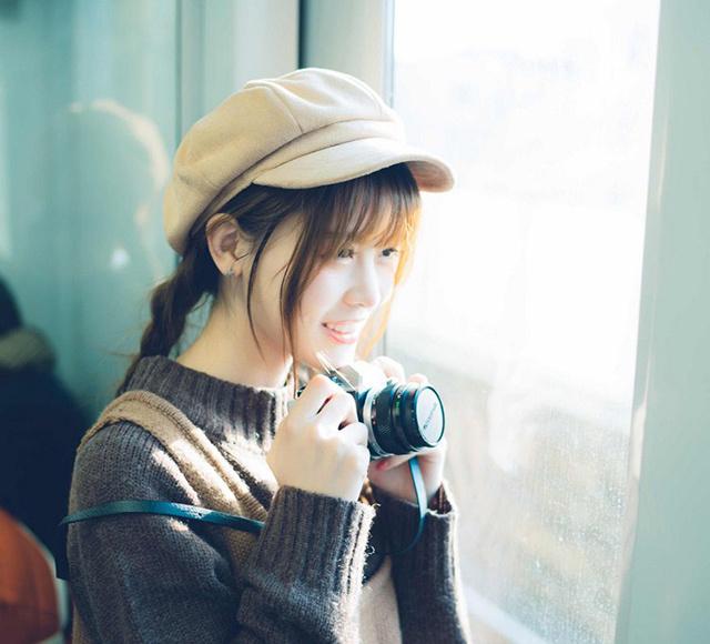 轻柔纯真妹子文艺摄影地铁采风阳光唯美艺术照