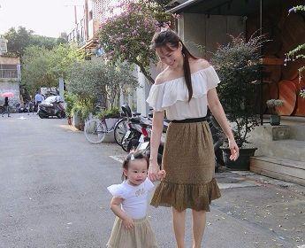 伊能静晒自己牵手女儿照片, 却被网友吐槽孩子长相太丑