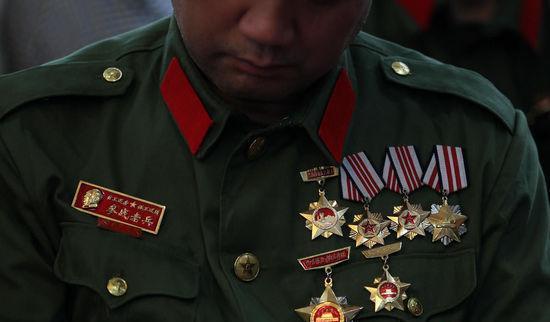 对越自卫反击战烈士牺牲30年后家人才知葬何处母亲生前几乎哭瞎