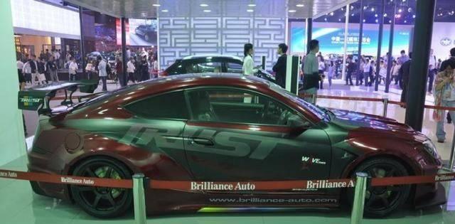 这款国产车叫价30万都不过分, 颜值媲美三菱GT, 野马都服它