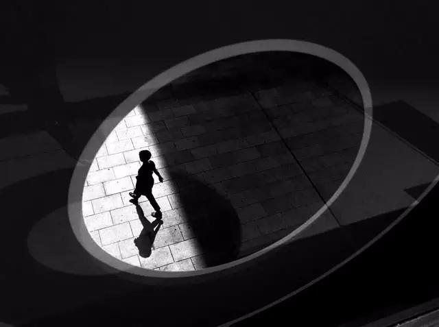 玩转光影丨西班牙摄影师jose luis barcia手机街拍作品欣赏