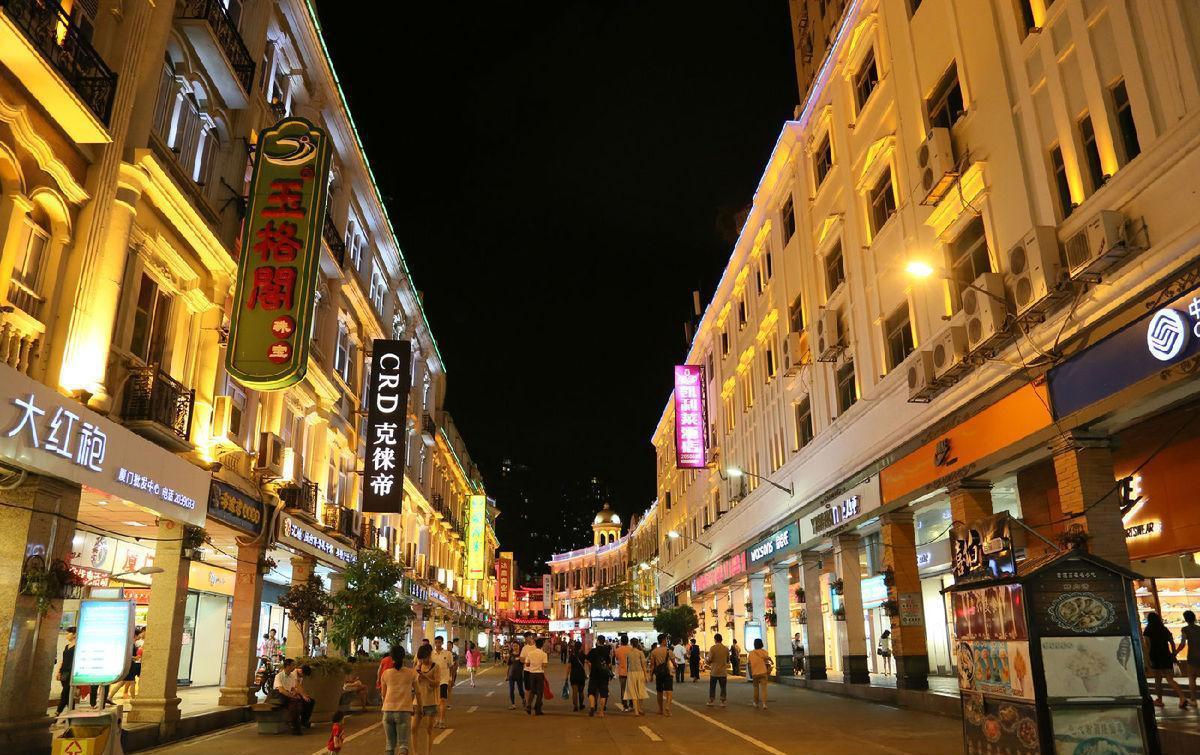 在中国, 几乎每个城市都有这样一条街