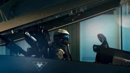 解放军歼20第五代隐形战斗机新视角亮相 令国人无比自豪
