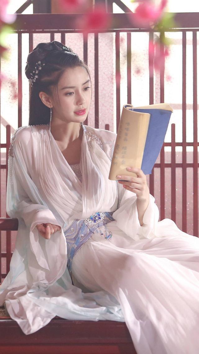 古装剧中穿白衣的女星:鞠婧祎惊艳,杨幂清纯,鞠婧祎美出新高度