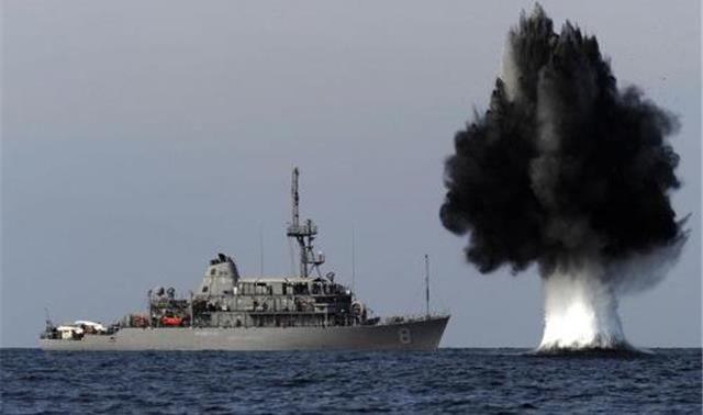 危机时刻!伊朗30枚导弹直扑美国军舰,五角大楼:中国已插足?