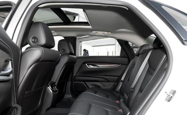 35万落地买到奥迪A6的级别,这豪华车比奔驰良心,让宝马眼馋!