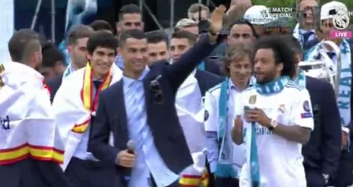c罗在皇马夺冠庆典发言,疑似再度向球迷告别!