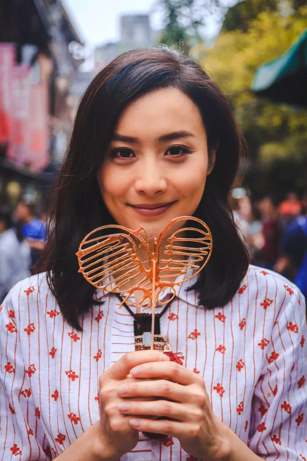 成都小姐最多的地方_好多人以为她是香港人,但其实她是地道的成都女孩.