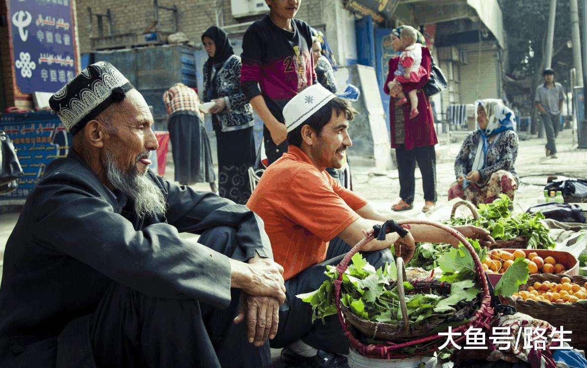新疆人_古代新疆人是啥人, 黄人还是白人? 与维吾尔族取汉语族名关系密切