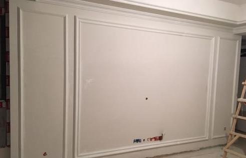 客厅背景墙装修新方式,用这种石膏线设计,简单方便还