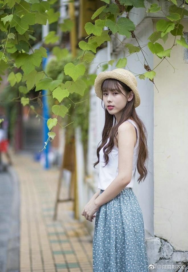 清纯甜美白皙森系美女休闲清新可爱旅拍写真集_新浪图片