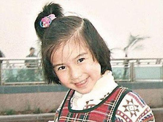 黄晓明儿子2岁了,长成这般模样,难怪没有公开露过面