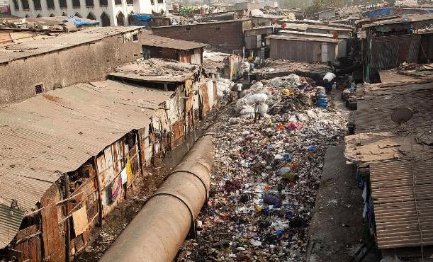 印度从哪儿搞来的钱,每年买那么多装备?全世界仅此一例