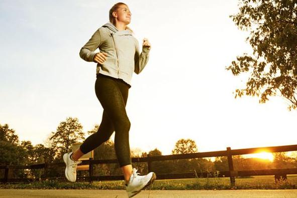 跑步减肥,对我们慢跑是不是算为难我们了呢?不!来说减肥来帮你.养减肥胃图片