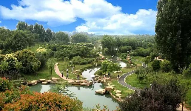 """西霞院景区的全称是""""西霞院反调节水库风景区"""",位于黄河小浪底水利"""