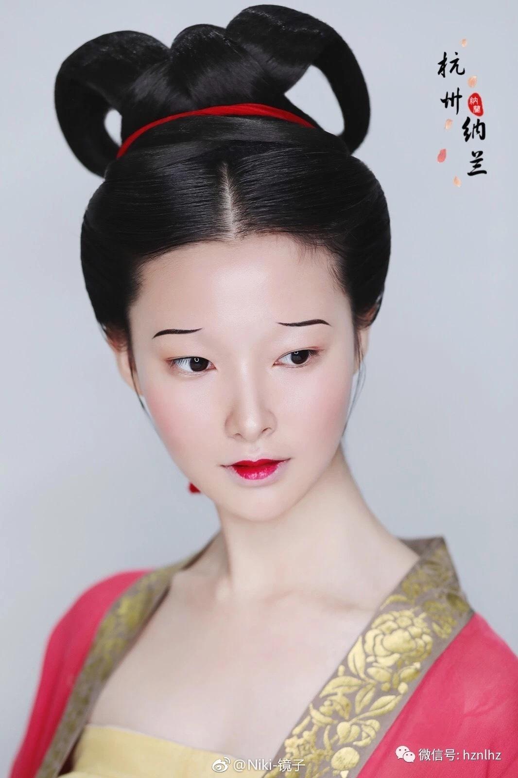 宋代女子面部的妆容多以素淡为主,浓妆艳抹已经不怎么时兴了