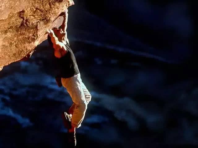 在每一部《碟中谍》的作品中,阿汤哥都开启不同的挑战模式.