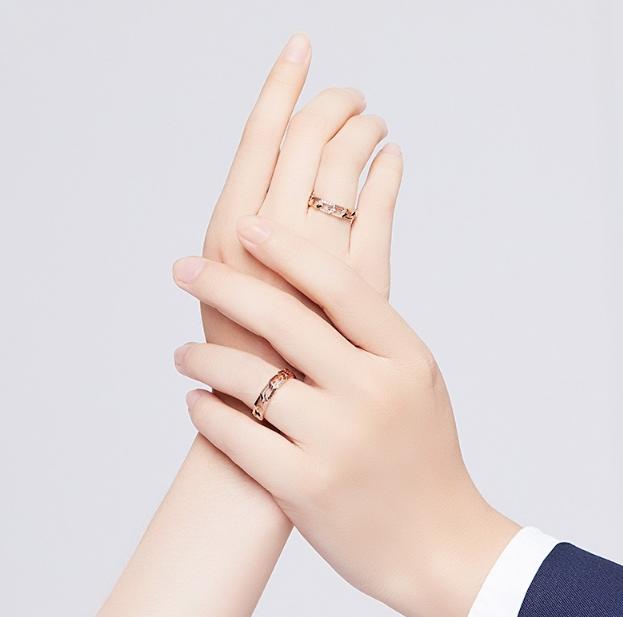 左手每个手指带戒指的含义?左手戴戒指什么意思?图片