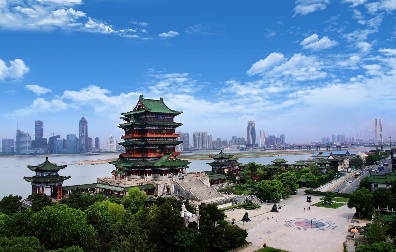 小 时 24 分 钟 到 武 汉 建议游玩:黄鹤楼公园,东湖风景区,黄陂木兰