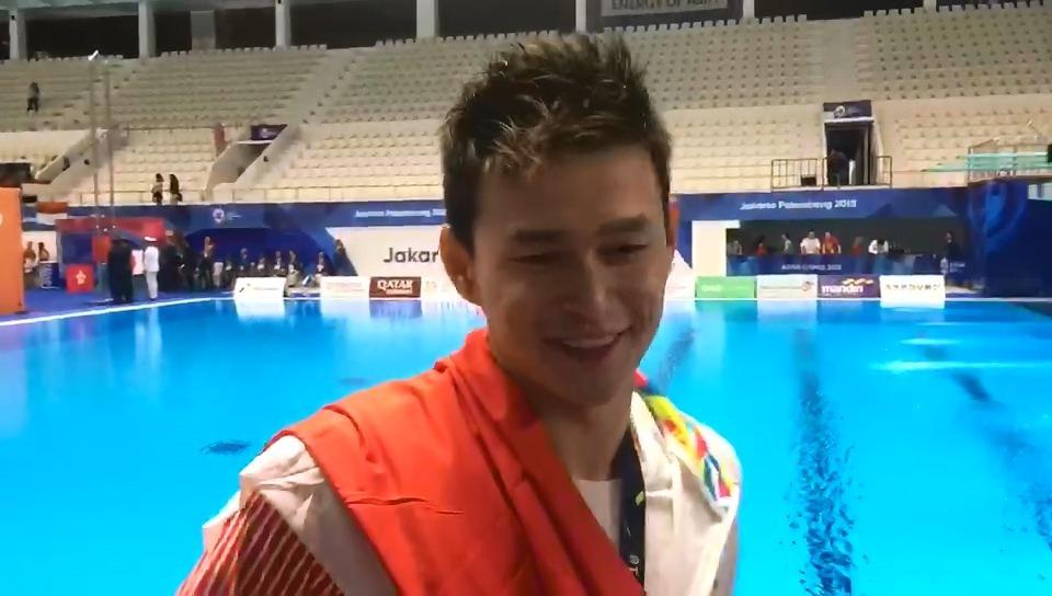 孙杨回应领奖服风波
