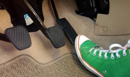 """那些懂得""""带档停车""""的人都是开了20多年的老司机!"""