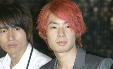 红头发的几位男明星,鹿晗最帅,最后一位你认识灰蓝色短发图片