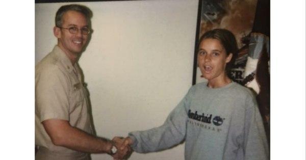 从流浪少女到封面女郎,美国海军女兵注册新宝3人生逆袭