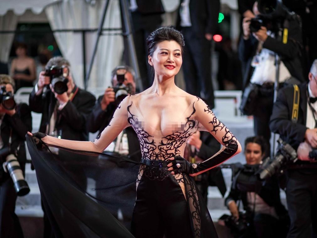 世界v世界小姐中国冠军赵欣走戛纳红毯宝鸡奥斯卡电影院图片