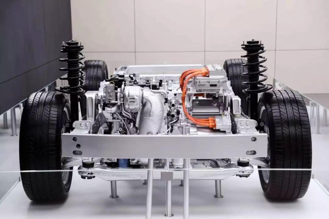 理想智造ONE发布,综合续航超700公里,百公里加速仅6.5秒