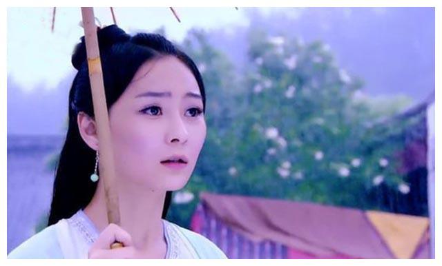 """18个""""撑伞""""古装美人,杨紫迷人,热巴惊艳,我却被赵丽颖"""