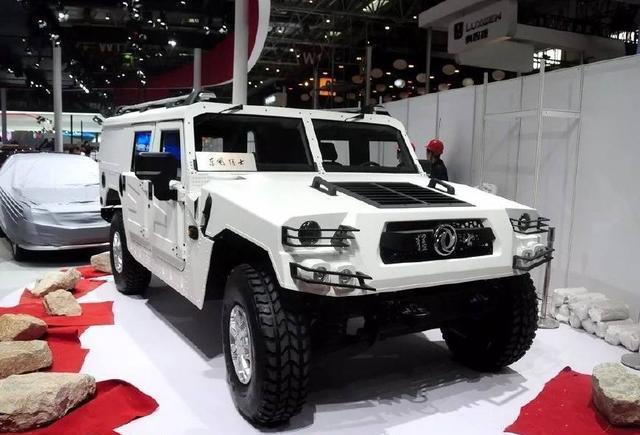 最贵的国产SUV,连悍马见了都要跪,<em>爬坡度</em>高达60度,售88万起