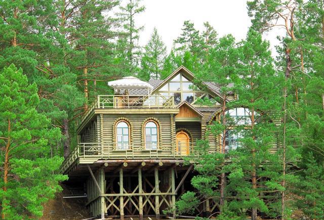 木屋别墅带您回归大自然图片