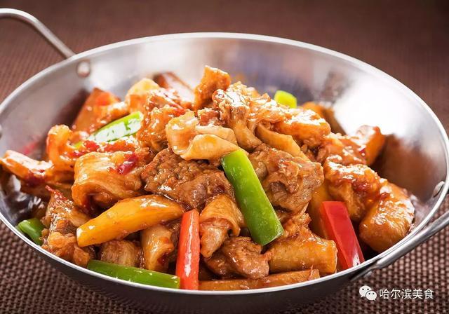 湘菜和做法吃起来艮臼的大碗藕猪肉的牛腩藕片做的麻辣鲜香再配牛筋炒麻椒图片