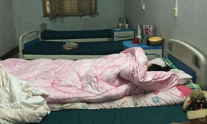 可是就在怀孕六个月的时候,婆婆拉着娜娜去了镇上的小诊所,说是那边图片
