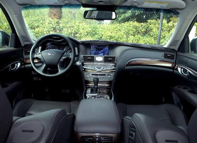 英菲尼迪M,驾驶它是一种什么样的体验,看车主是怎么说的