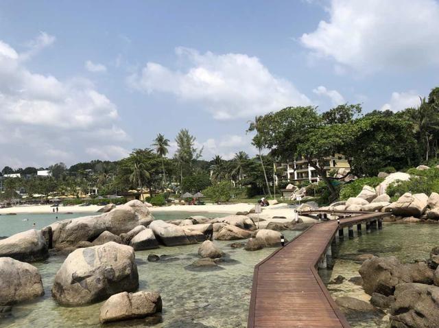 印尼地震后,中国游客巴厘岛报平安:地震时睡挺香