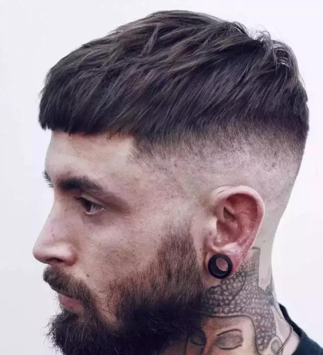 除了寸头,夏天直男还可以留什么清爽发型?