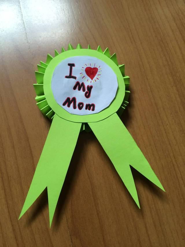 手工贺卡:幼儿园创意 手工吊饰,剪纸折纸,纸筒手工全都有