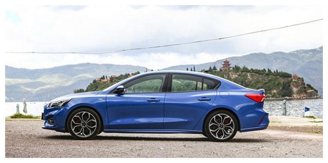 福特不孬了,旗下王牌紧凑型车将于8天后上市,网友:先降3万再说