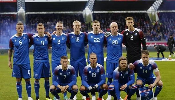 冰岛足球队没有业余球员!