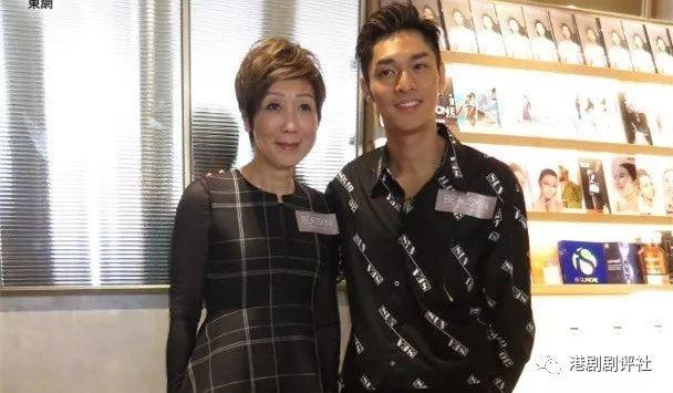 香港男歌手首拍TVB剧人气提升 坦言对这位TVB小花有好感